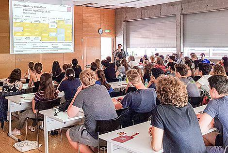 Prof. Dr. Angela Witt-Bartsch, Academic Coach an der eufom Business School in München