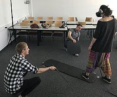 Virtuelle Realität: Versuch von eufom Studierenden im Hörsaal