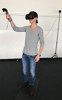 Richie's Plank Experience: eufom Student in einer virtuellen Welt